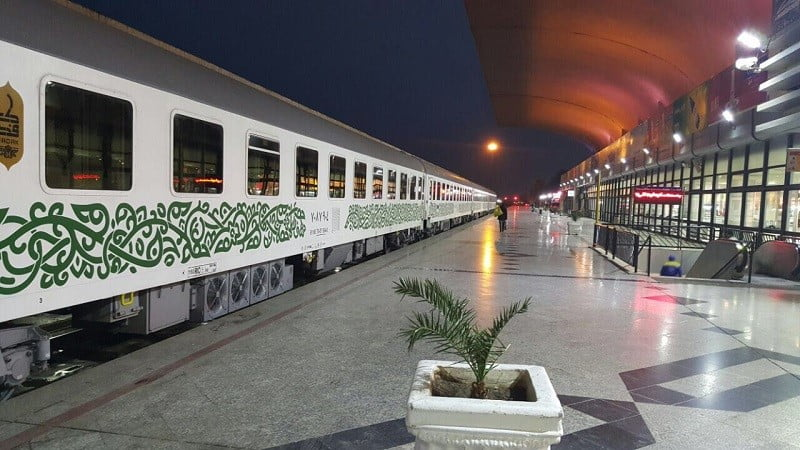 تور مشهد با قطار,تور مشهد با قطار فدک,امکانات قطار رجا,