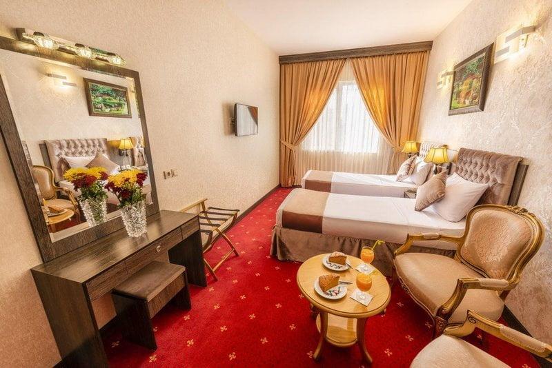 بهترین هتل حرم مشهد,بهترین هتل های مشهد نزدیک حرم,نوع هتل لوکس مشهد مقدس,